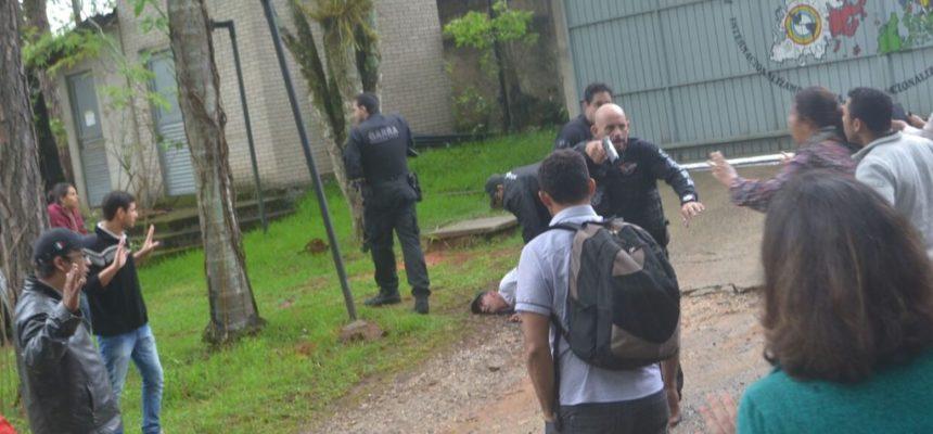 Policia invade ENFF sem mandado de busca e apreensão
