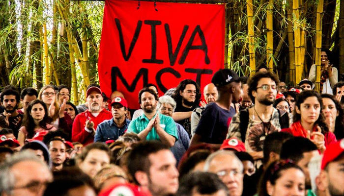Movimentos dizem não à criminalização da luta em grande ato de apoio ao MST