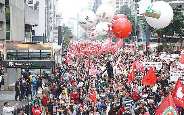 Sindicatos e movimentos se articulam para dia de paralisações na sexta-feira