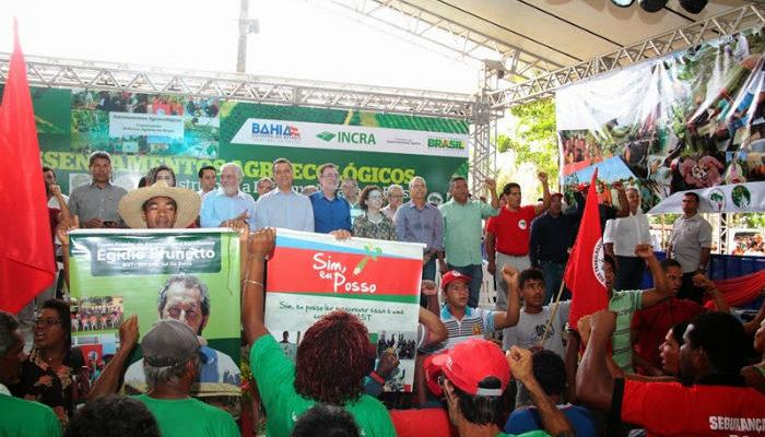 Sem Terra comemoram a demarcação de agrovilas agroecológicas no sul da Bahia