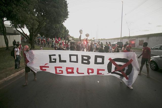 A luta contra o golpe é a luta contra o monopólio midiático