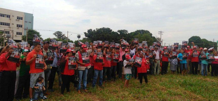 Militantes aguardam em vigília libertação dos presos políticos do MST