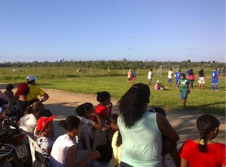 futebol é utilizado como ferramenta de intercâmbio entre a juventude