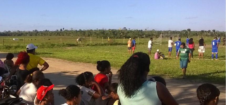 Na Bahia,  futebol é utilizado como ferramenta de intercâmbio entre a juventude
