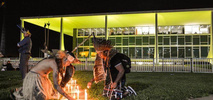 "Juízes dizem à ONU: ""Estado Brasileiro persegue lideranças indígenas"""