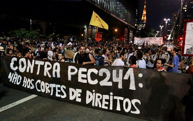 Por que as centrais convocam uma greve geral? Veja dez motivos