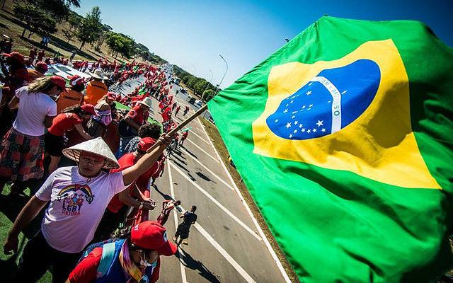 Rádio Brasil de Fato estreia programa sobre eleições gerais e política nacional