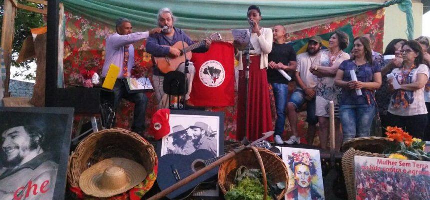 Sarau 'Somos mucho más que dos' valoriza músicas e poesias da América Latina