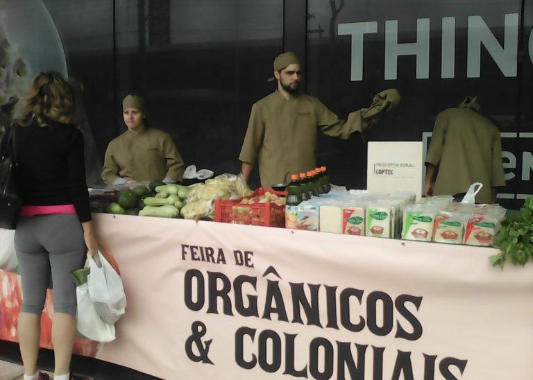 Alimentos orgânicos da Reforma Agrária chegam a um dos maiores Shoppings de Porto Alegre