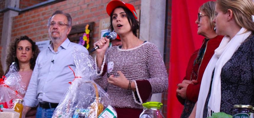 Em visita a assentamento, candidatos reforçam comprometimento com a Reforma Agrária Popular