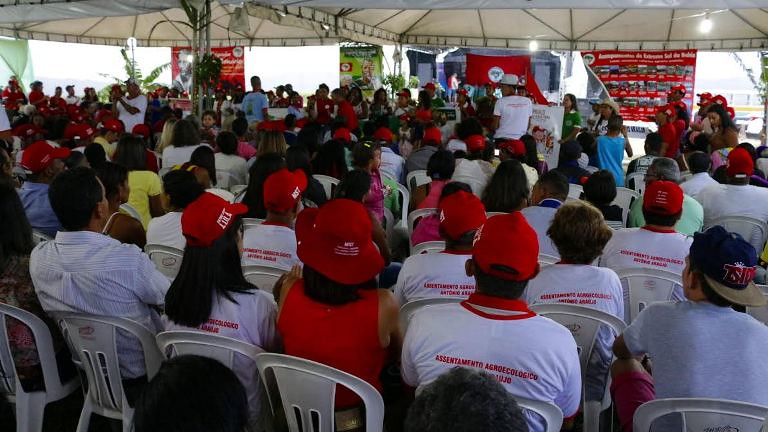 agrovilas agroecológicas se tornam símbolos de resistência contra o capital