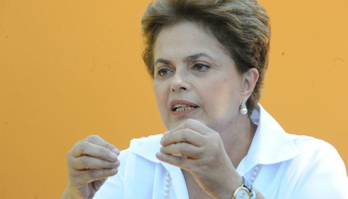Tentativa de criminalização do MST é inaceitável, diz Dilma
