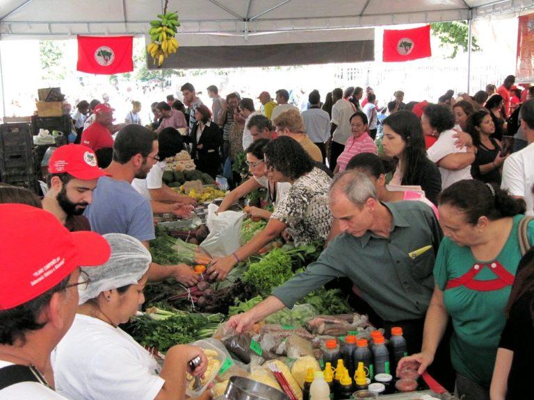 Feira da Reforma Agrária chega ao centro do Rio com produtos saudáveis