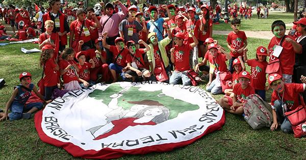 Crianças realizam 12º Encontro Estadual dos Sem Terrinha em Curitiba