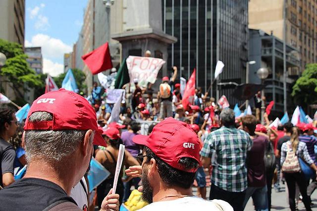 Sindicatos e movimentos populares protestam contra PEC do Teto nesta sexta-feira (11)