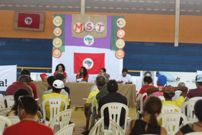 MST debate os desafios da luta por direitos sociais
