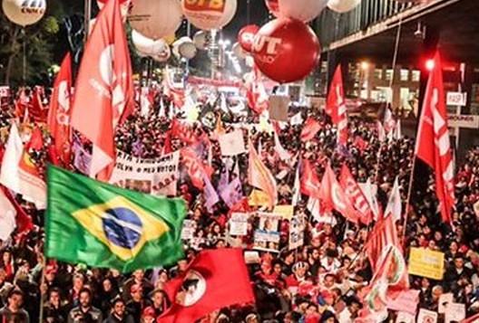 Centrais e movimentos populares farão paralisações e protestos nesta sexta