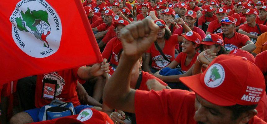 MST recebe solidariedade de movimentos e personalidades brasileiras