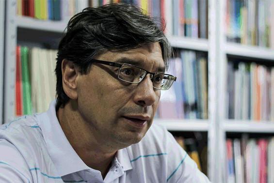 """""""A PEC do teto dos gastos é contra o povo e a favor do rentismo"""", declara o economista Marcio Pochmann"""