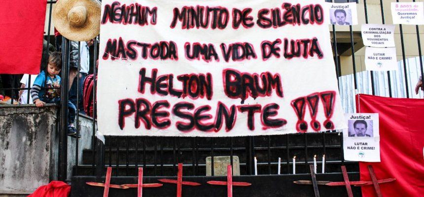 MST faz vigília em frente ao TJRS para acompanhar novo julgamento do caso Elton Brum da Silva