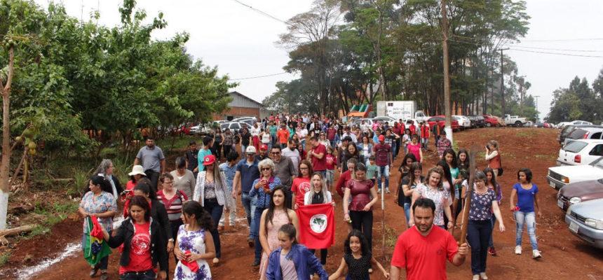 Assentados do Paraná comemoram 15 anos de acesso à educação popular