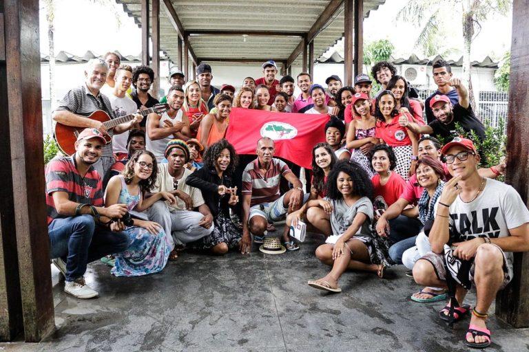 Coletivo de Juventude e Comunicação debatem o atual cenário político