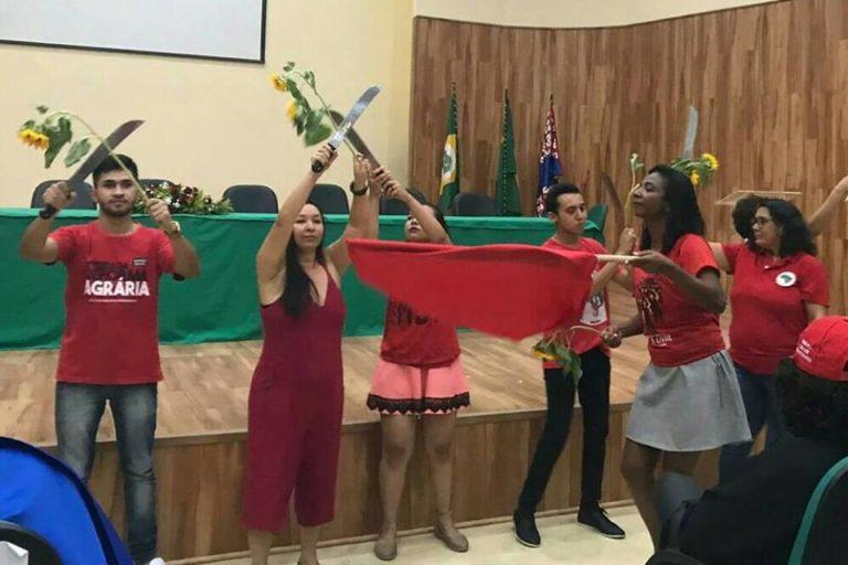 Trabalhadores do campo se formam em Serviço Social pela Universidade Estadual do Ceará
