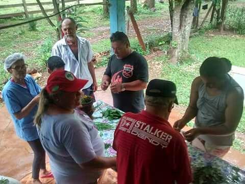 Acampados participam de oficina de fitoterápicos e produção de alimentos saudáveis