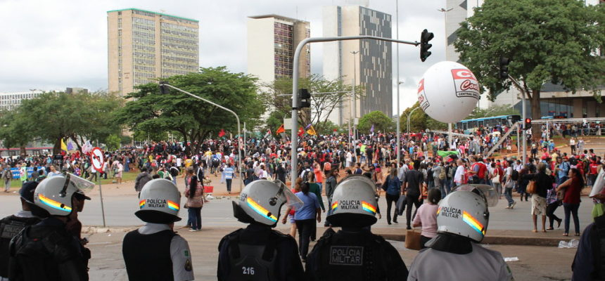 Feridos duplamente na carne, manifestantes contra PEC 55 reafirmam resistência popular