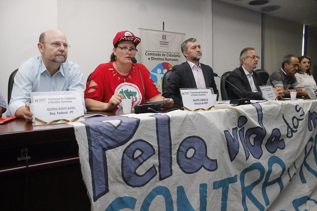 Salete Carollo, do MST, falou em nome das mulheres da Via Campesina. Foto Leandro Molina..jpg