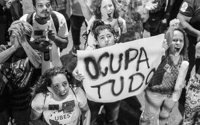 Movimentos vão à Brasília contra PEC 55, que deve ser votada nesta terça (28)