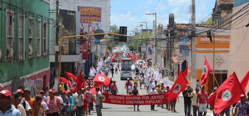 No dia de luta contra a violência e a impunidade, Sem Terra fazem ato em Maceió