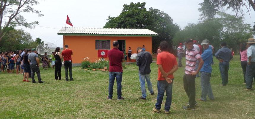 Famílias do MST inauguram casas na Fronteira Oeste do RS