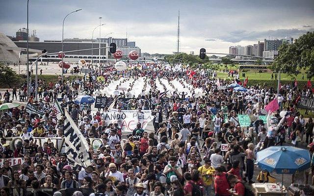 Atos em todo o país marcarão dia de protesto contra votação final da PEC 55