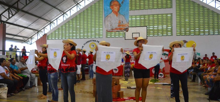 No Ceará, MST homenageia bispo Dom Fragoso