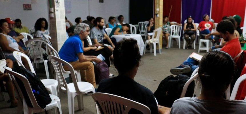 Encontro cria rede de comunicação popular no Paraná