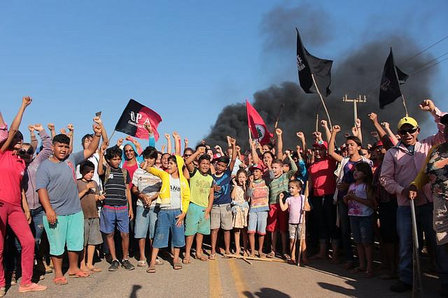 agricultores resistem ao despejo de 150 famílias em Limoeiro (CE)
