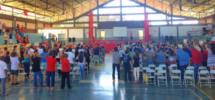 Ato político marca abertura de encontro do MST no estado de São Paulo