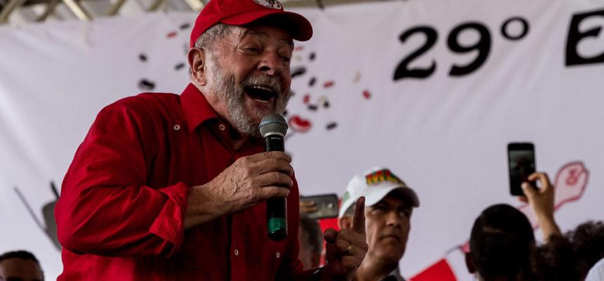 Lula denuncia o golpe e diz que um novo Brasil é possível