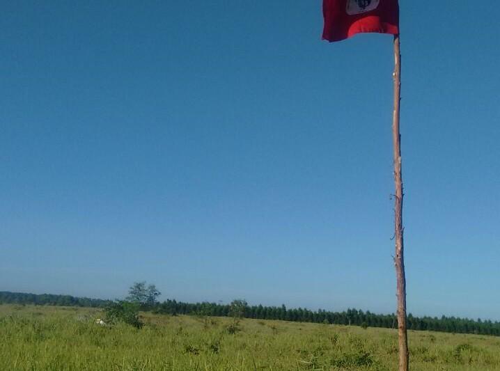 MST ocupa área apropriada indevidamente pela Fíbria em Aracruz-ES