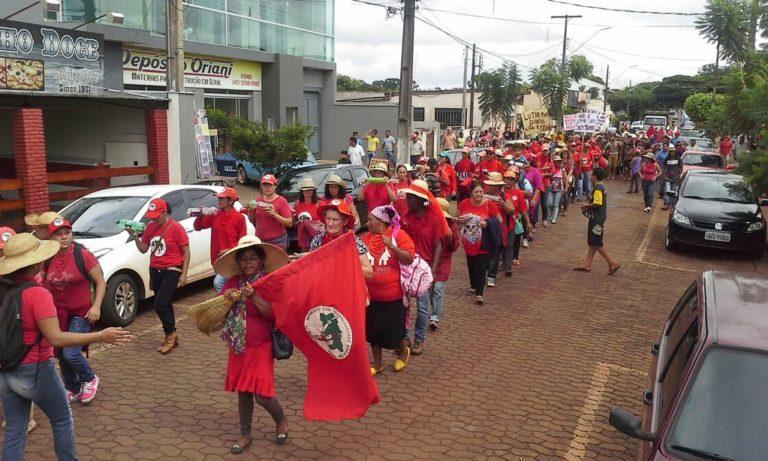 Sem Terra mobilizam-se no Paraná
