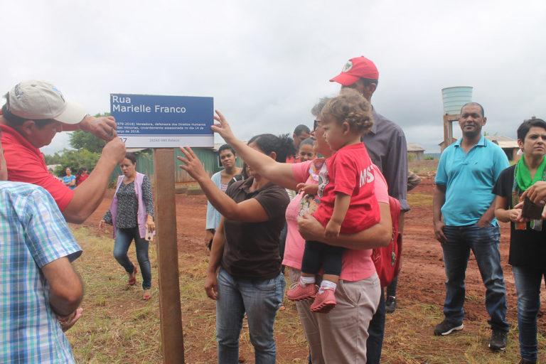 Assentamento do MST homenageia Marielle Franco com nome de uma rua no Paraná
