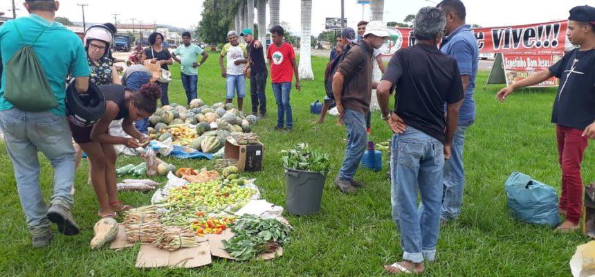 Acampamento Marielle Franco realiza feira no Maranhão