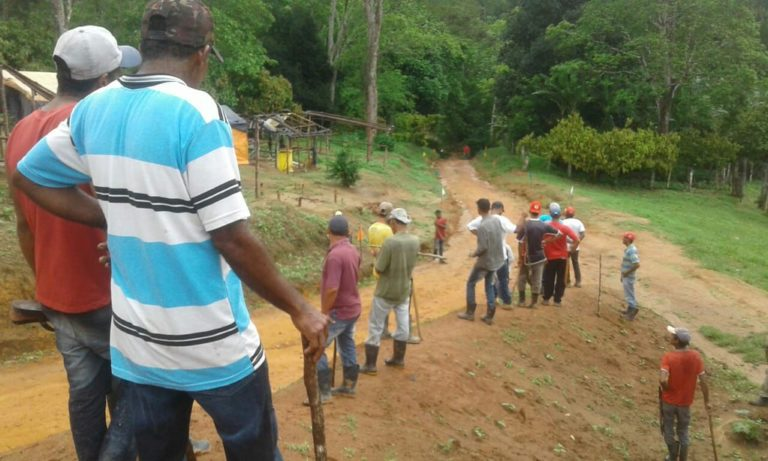 trabalhadores rurais são despejados de fazenda