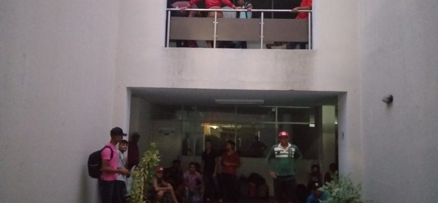 Militantes ocupam sede do Idace no Ceará