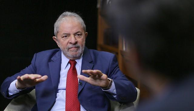 Como foi a primeira entrevista de Lula após a prisão política