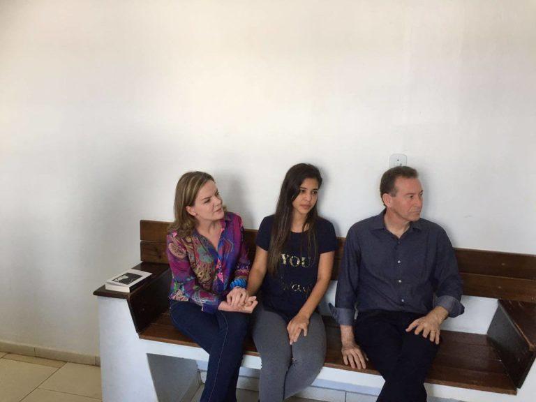 Senadora Gleisi Hoffmann e Deputado Professor Lemos visitam presos políticos do MST