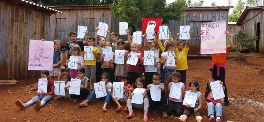 Crianças prestam solidariedade à Fabiana Braga
