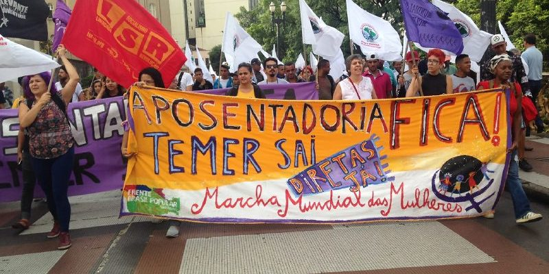 Mulheres ocupam prédio do INSS em São Paulo