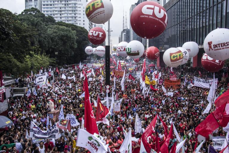 200 mil na Avenida Paulista contra o desmonte da Previdência